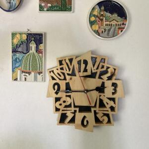 Orologio con ore pazze da parete